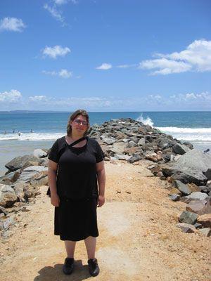 Nathalie op het strand van Noosa