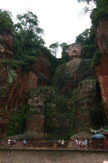 bergboeddha Qingyi rivier