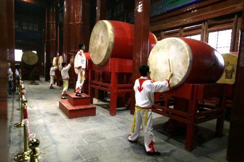 Drumtoren in de Hutong-wijk van Beijing