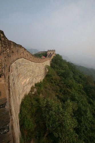 De Chinese Muur bij Mutianyu (in de buurt van Beijing)