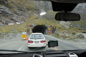 tunnel Milford Sound