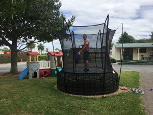 Eindelijk een trampoline voor Fabienne