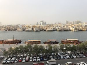 Uitzicht vanuit onze hotelkamer Best Western Pearl Creek Dubai