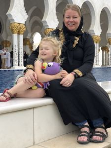 Fabienne en Angelica bij Grand Mosque
